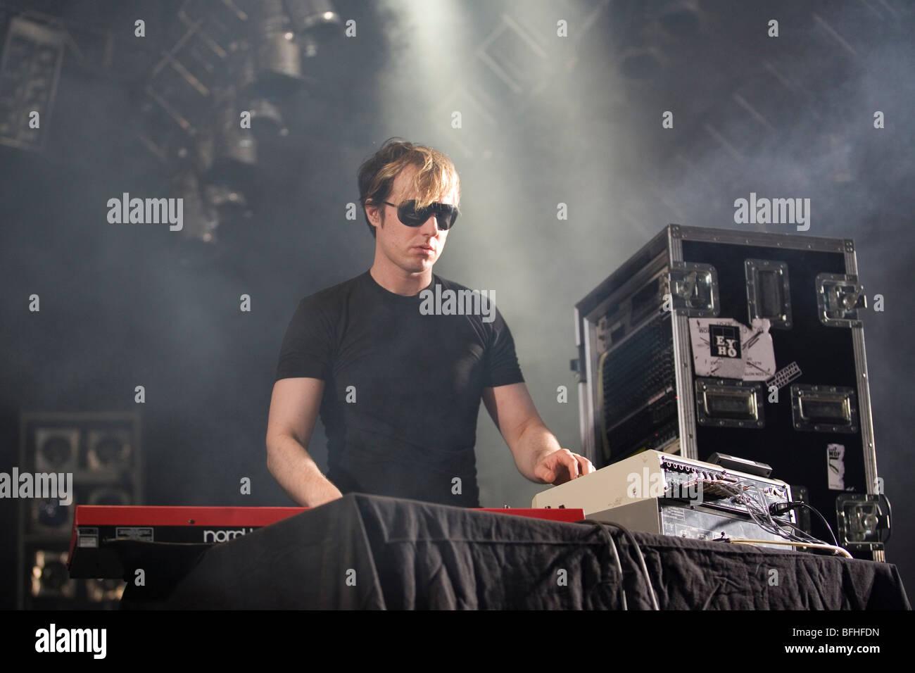 BUDAPEST-Juli 24: Alec Empire führt auf der Bühne bei SYMA Sport und Event-Center Bühne 2009 in Ungarn Stockbild