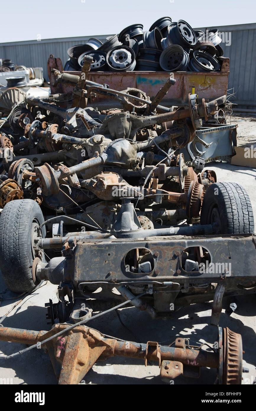 Haufen von rostigen Autoteile Stockfoto, Bild: 26817149 - Alamy