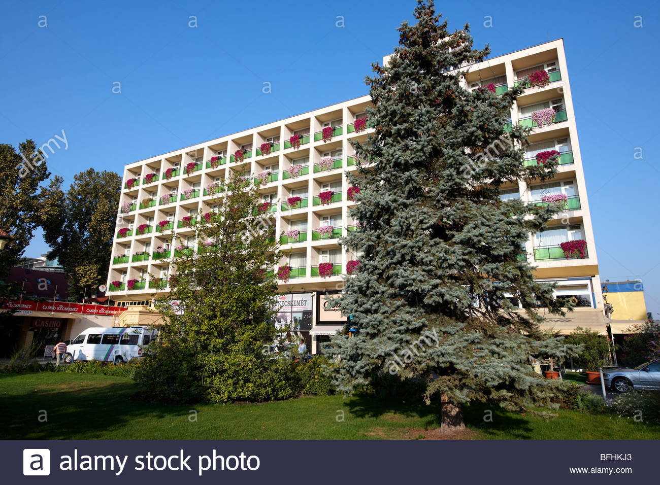 Die verschließende Hotel (sozialistische Architektur), Kecskem t, Ungarn Stockbild