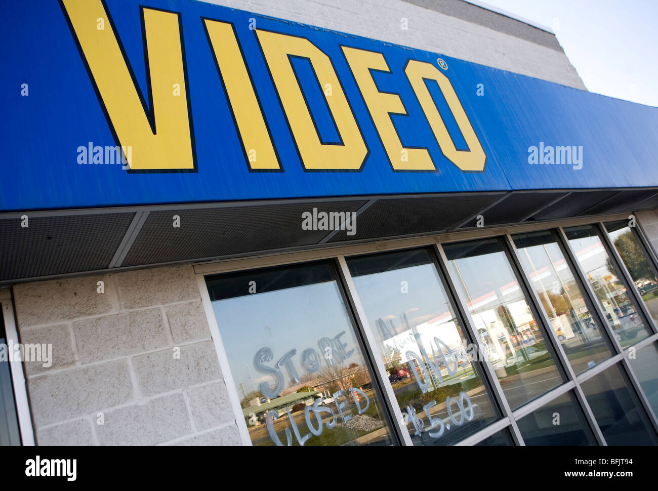 Empty Blockbuster Stockfotos & Empty Blockbuster Bilder - Alamy