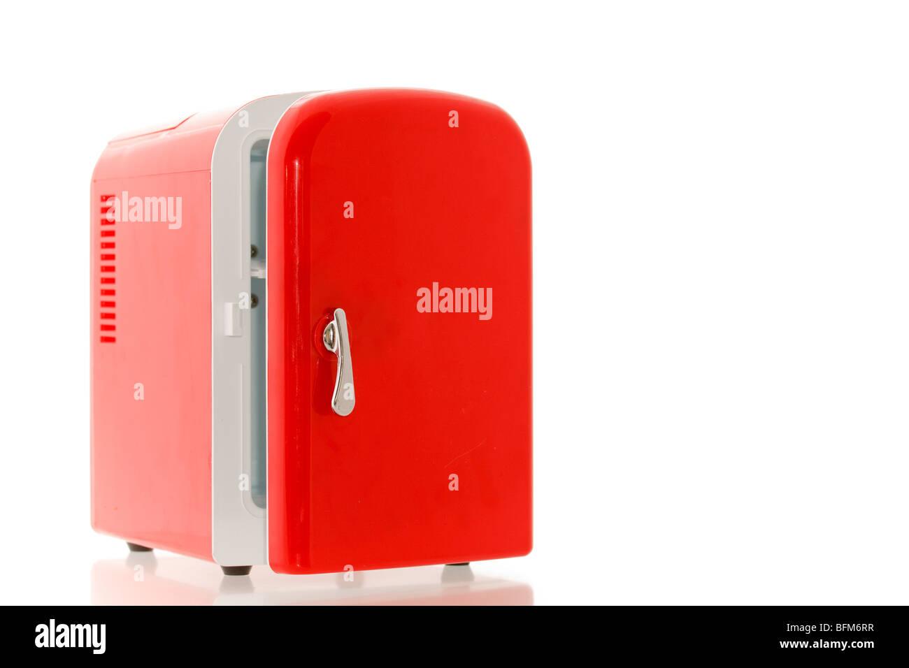 Mini Kühlschrank Ok : Glänzend hell rot mini kühlschrank stockfoto bild  alamy