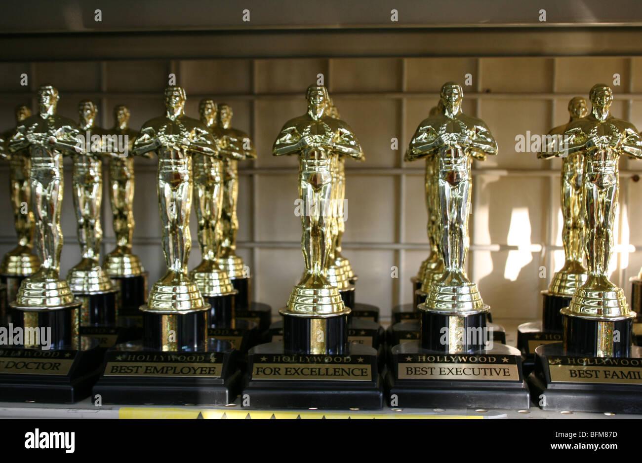 Kunststoff Oscar-Trophäe Statue Statuetten in Hollywood Kalifornien zu verkaufen Stockbild