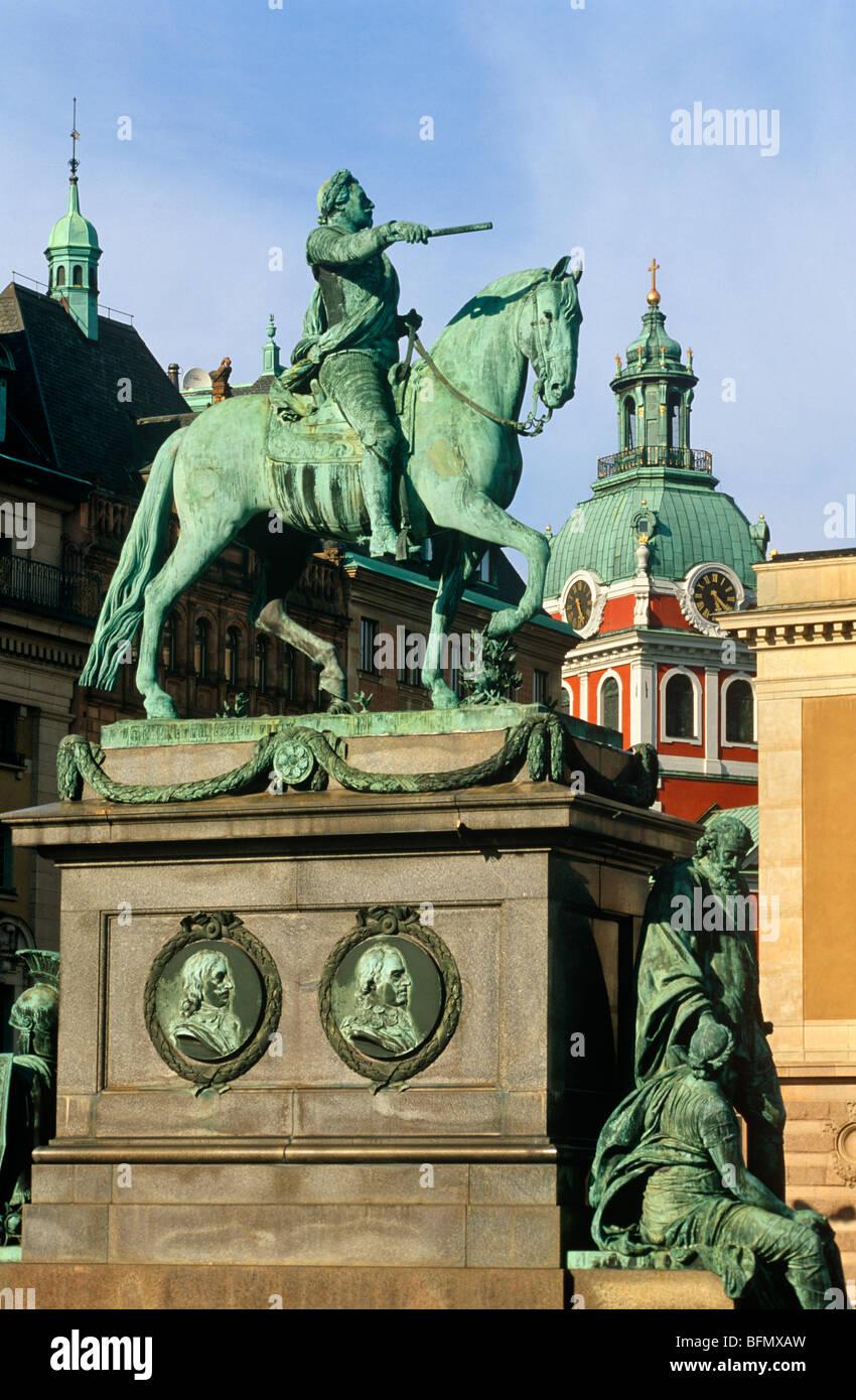 schweden stockholm gustav adolfs torg dieser platz im zentrum von stockholm hat eine statue. Black Bedroom Furniture Sets. Home Design Ideas