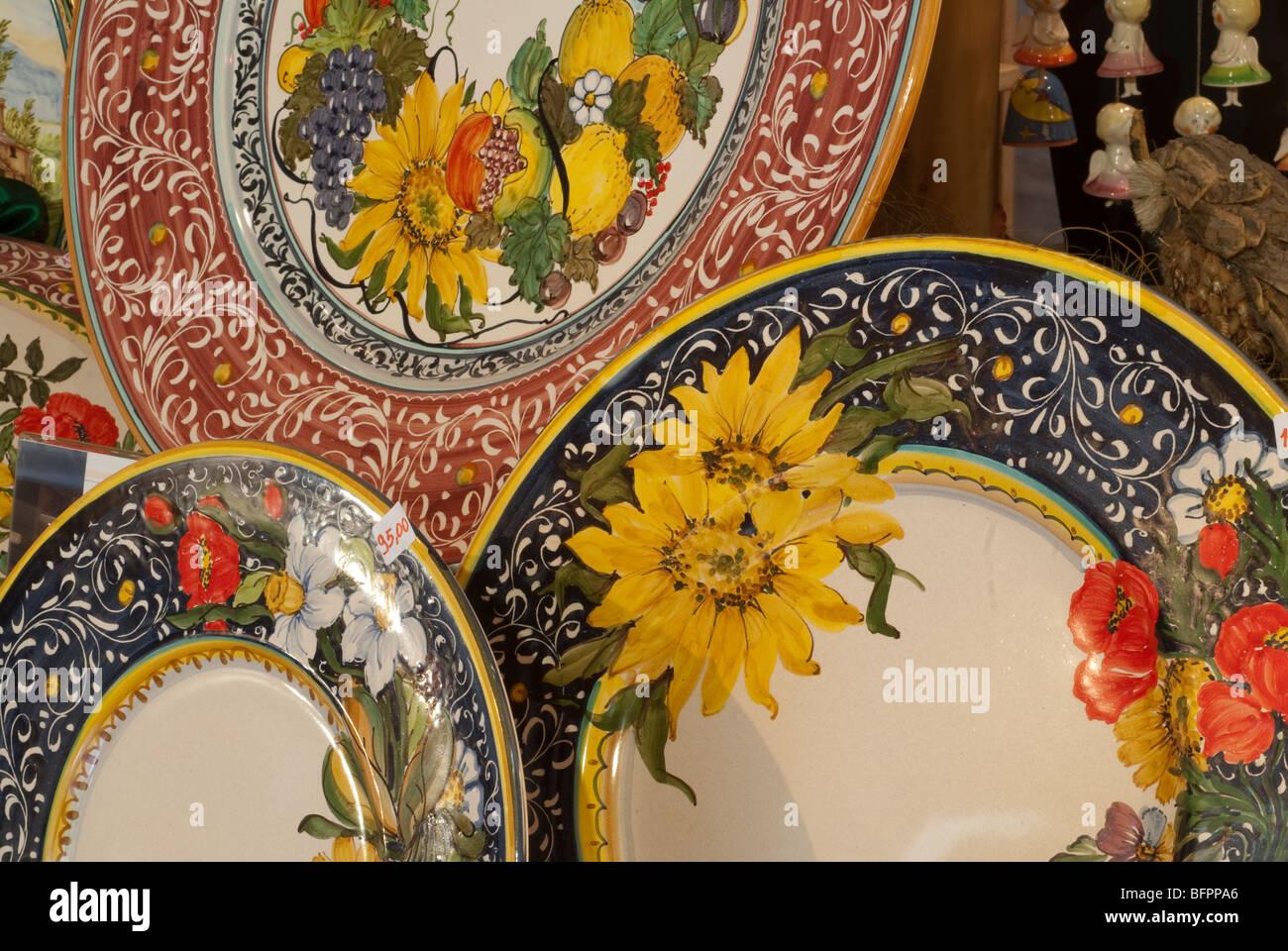 Der italienische künstlerische Keramik von Castelli, kleine Stadt in den Abruzzen, Italien Stockbild