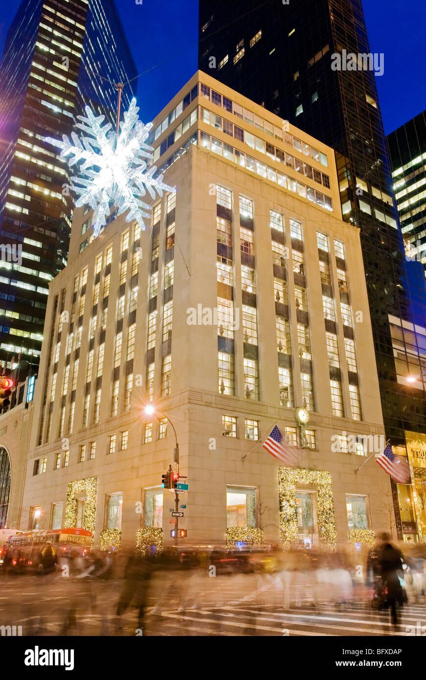 Tiffany Store und die Schneeflocke Fifth Avenue Weihnachtszeit Stockbild