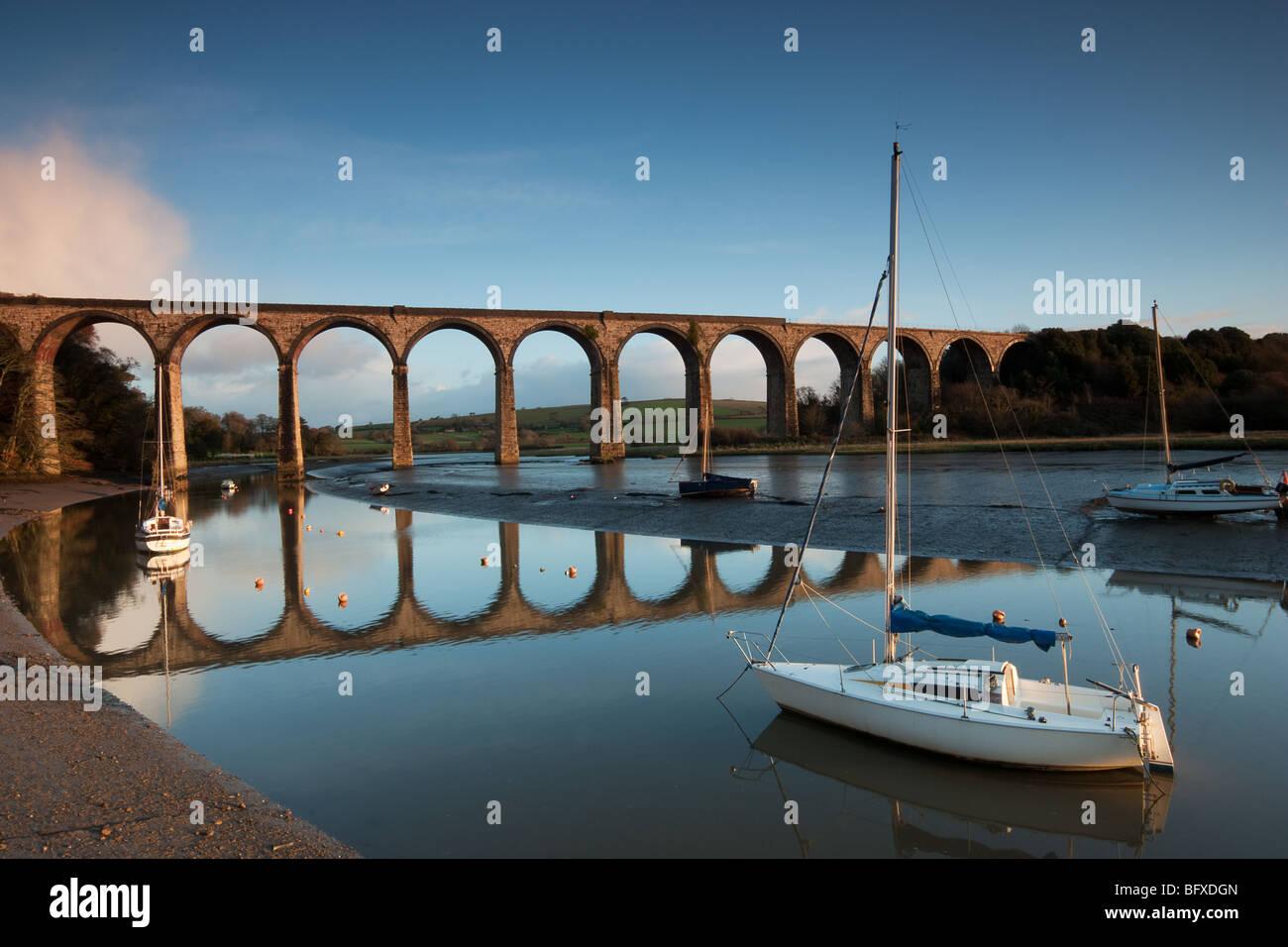 Der Viadukt bei St. Deutschen in Cornwall, trägt dies die wichtigsten Eisenbahnstrecke in und aus Cornwall. Stockbild