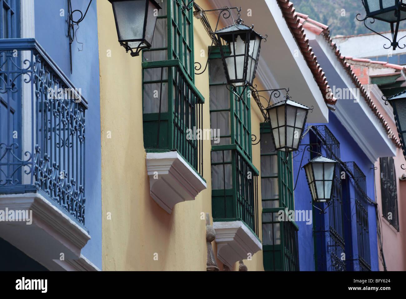 Gaslampen, Fenster und Balkone in Calle Jaen, der am besten ...