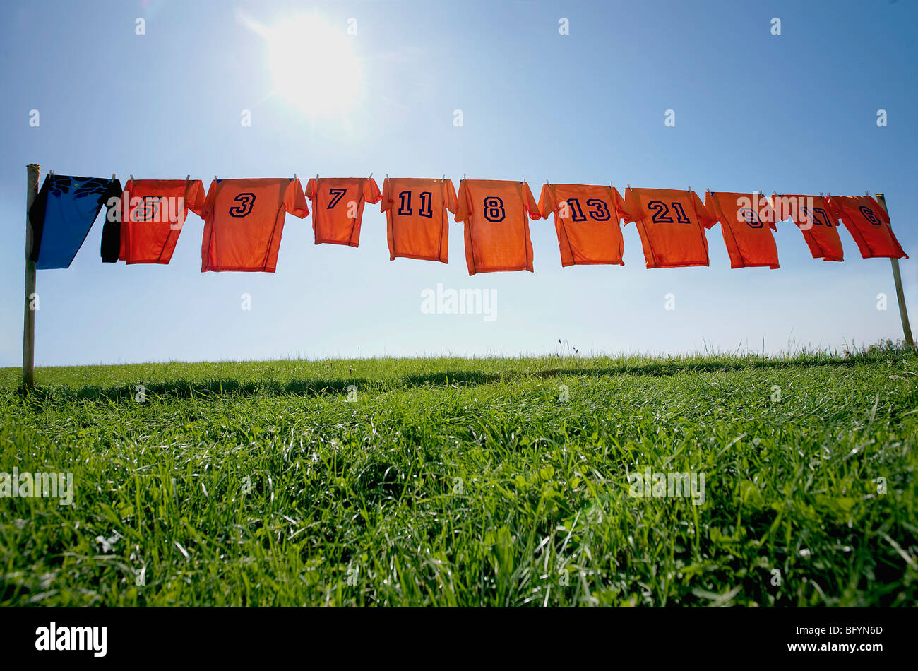clothesline stockfotos clothesline bilder alamy. Black Bedroom Furniture Sets. Home Design Ideas