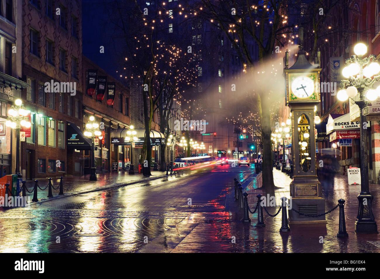 Die Dampf-Uhr in der Nacht auf Water Street, Gastown, Vancouver, Britisch-Kolumbien, Kanada, Nordamerika Stockbild