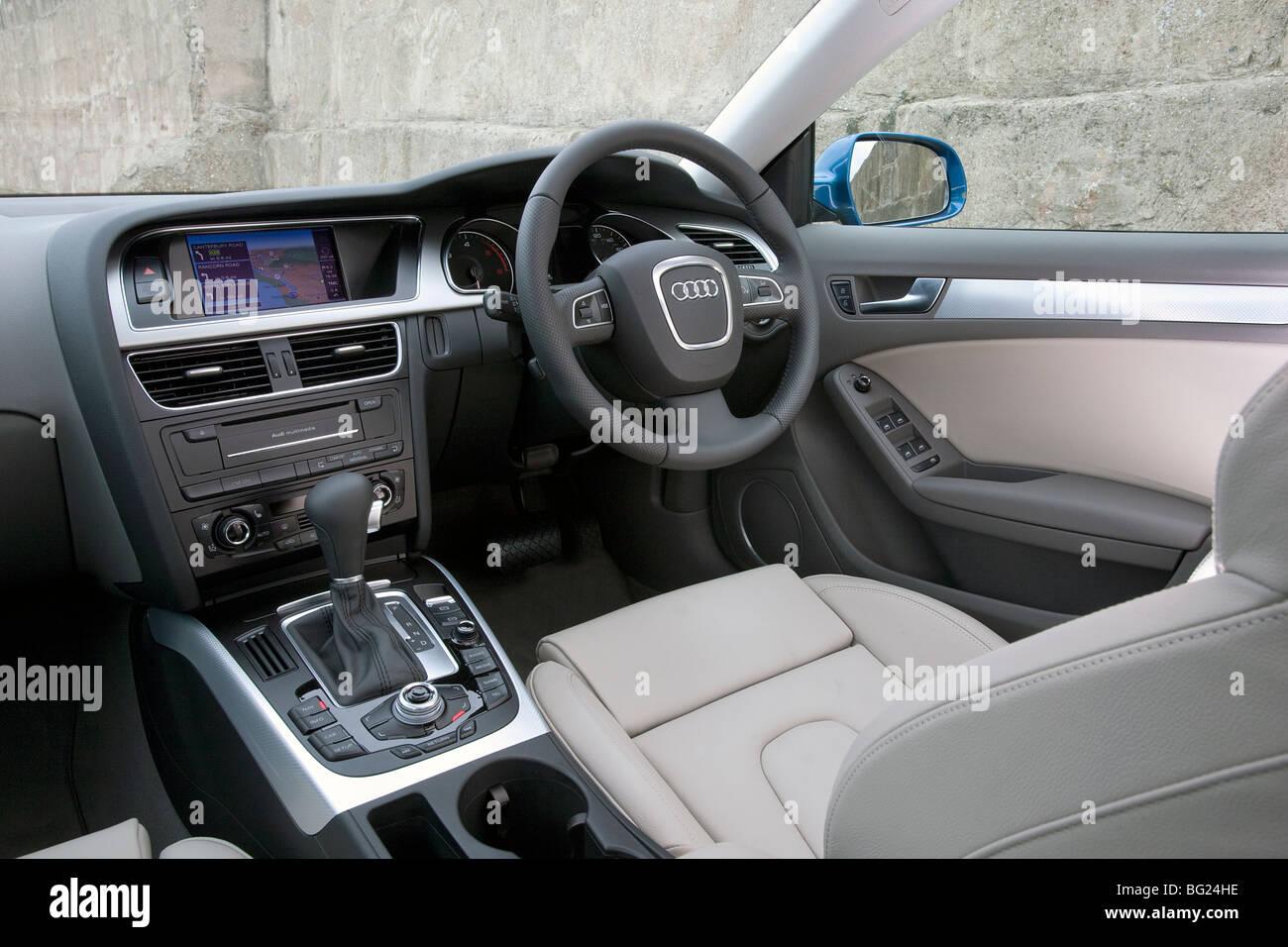 Audi A5 Sportback Interieur Stockfoto, Bild: 27092394 - Alamy