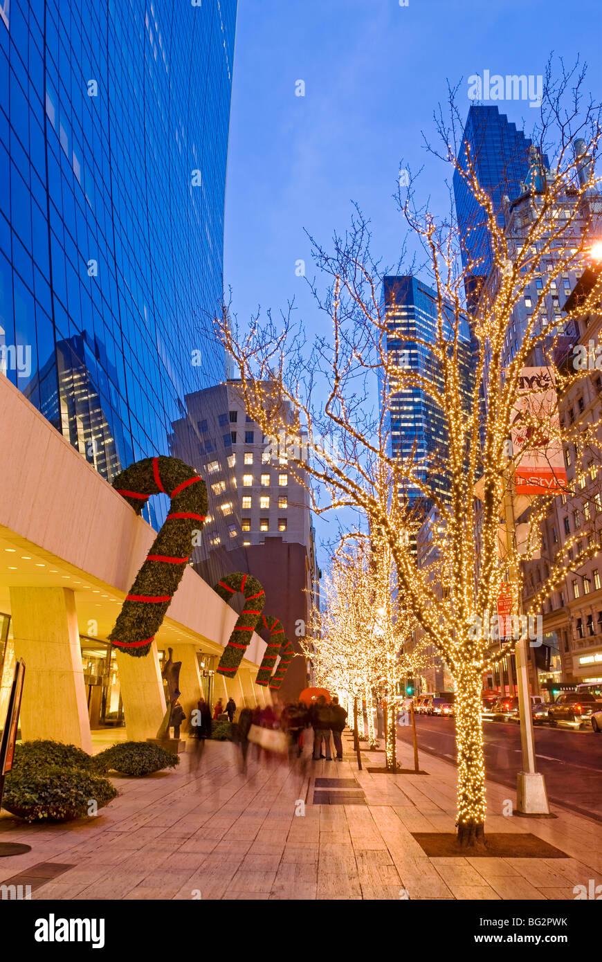 Weihnachten in New York der 57. Straße der Fifth Avenue Stockbild