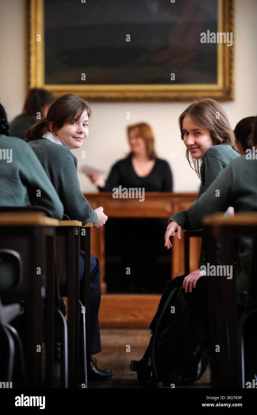 College-Mädchen blühen Jobs
