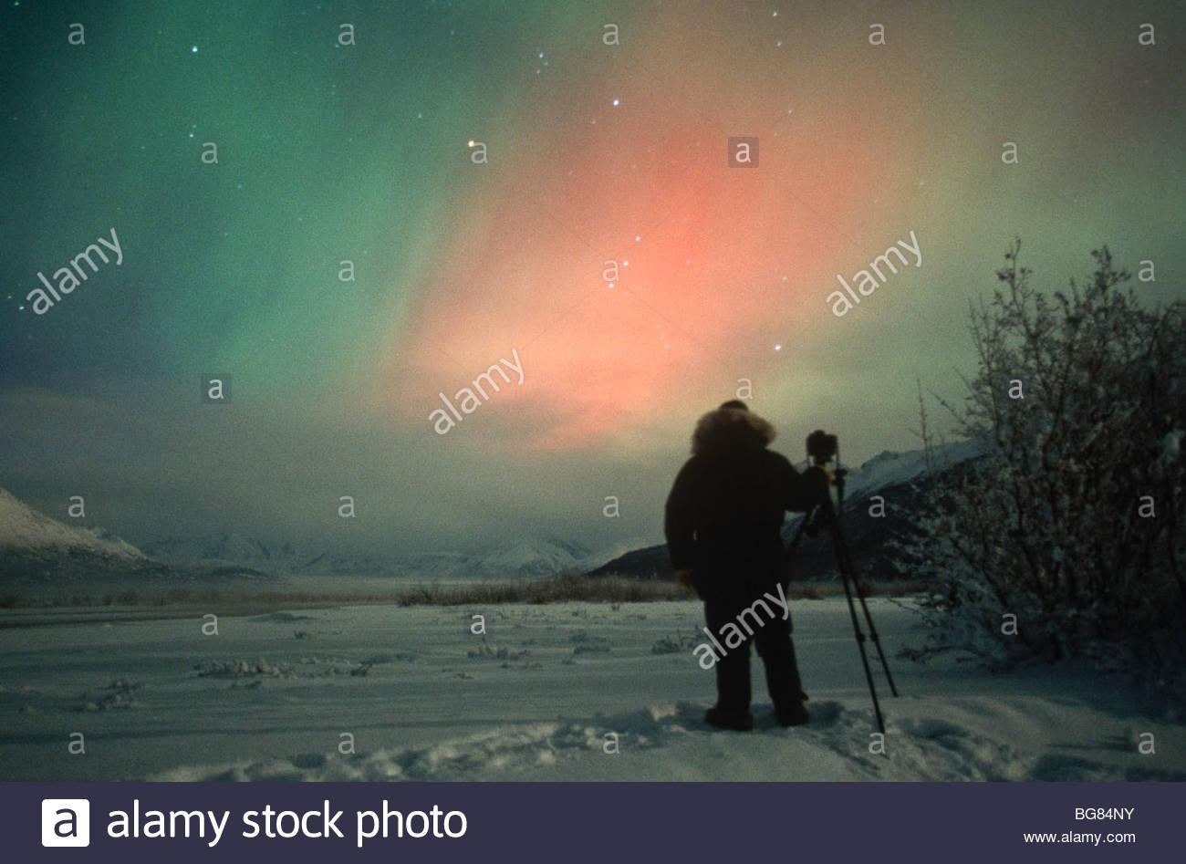 Alaska. Aurora Borealis oder das Nordlicht von Fotograf Cary Anderson beobachtet. Stockbild