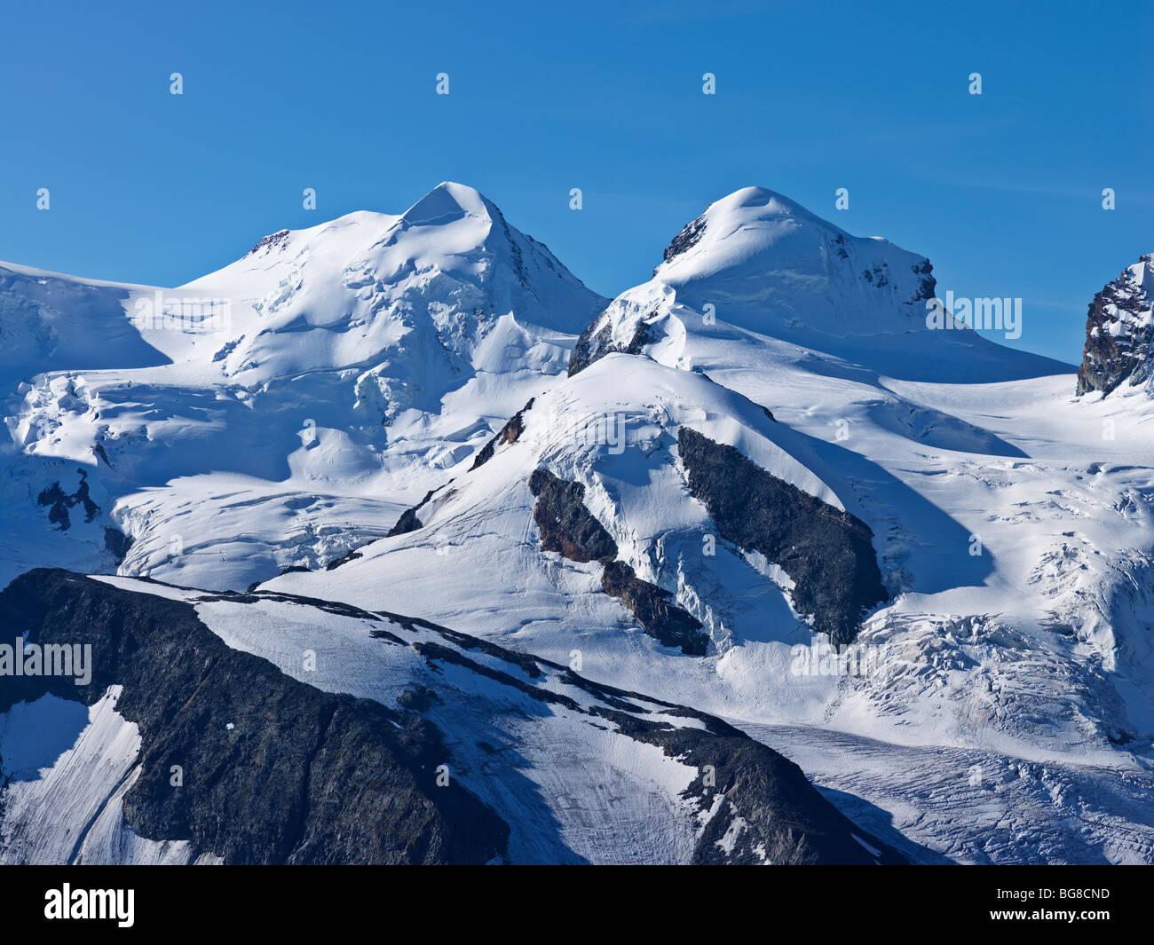 Schweiz, Wallis, Zermatt, Gornergrat Gipfel des Mount Liskamm und Breithorn vom Gornergrat aus gesehen Stockbild