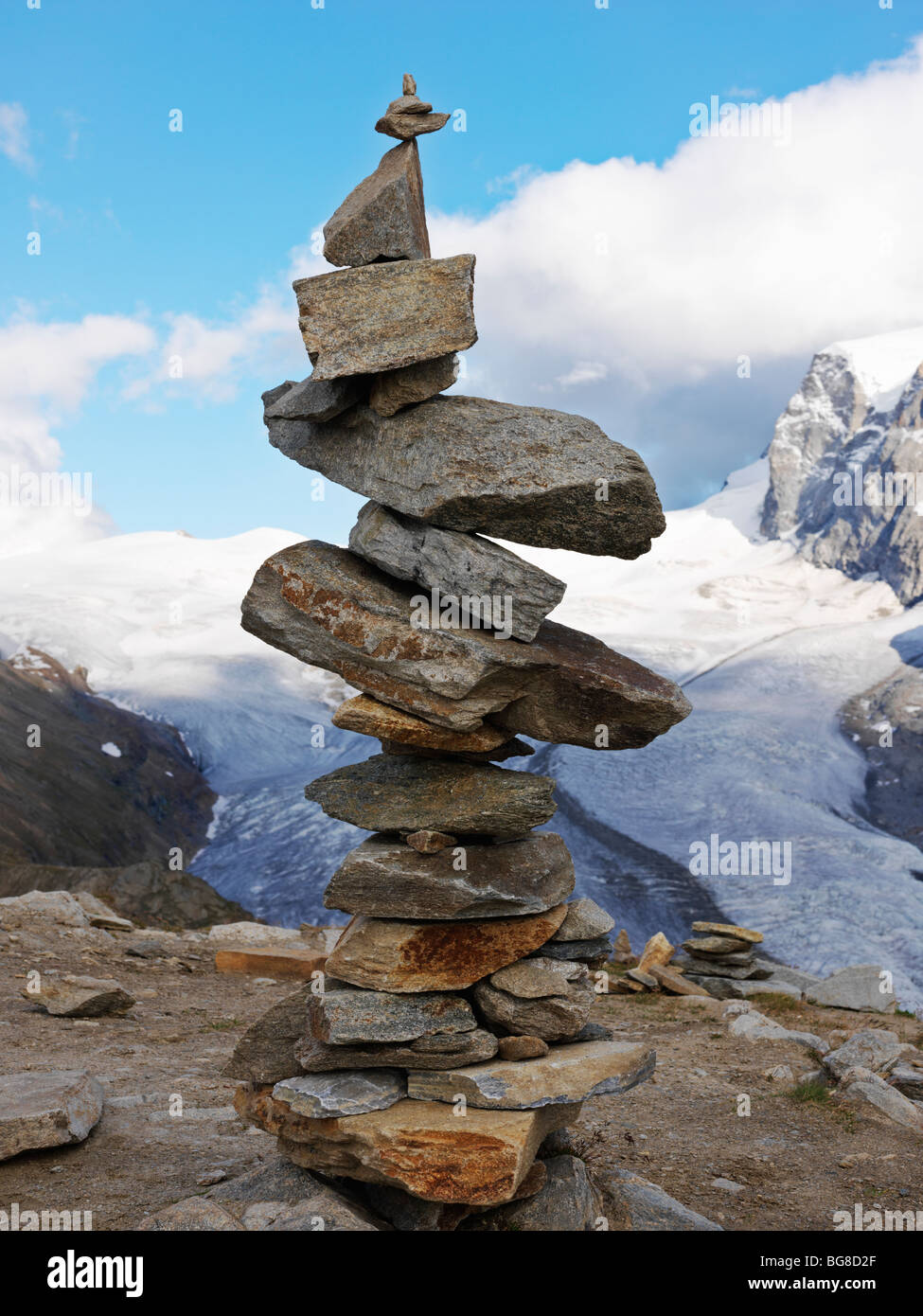Schweiz, Wallis, Zermatt, Gornergrat, ein Cairn der ausgewogenen Felsen Stockbild