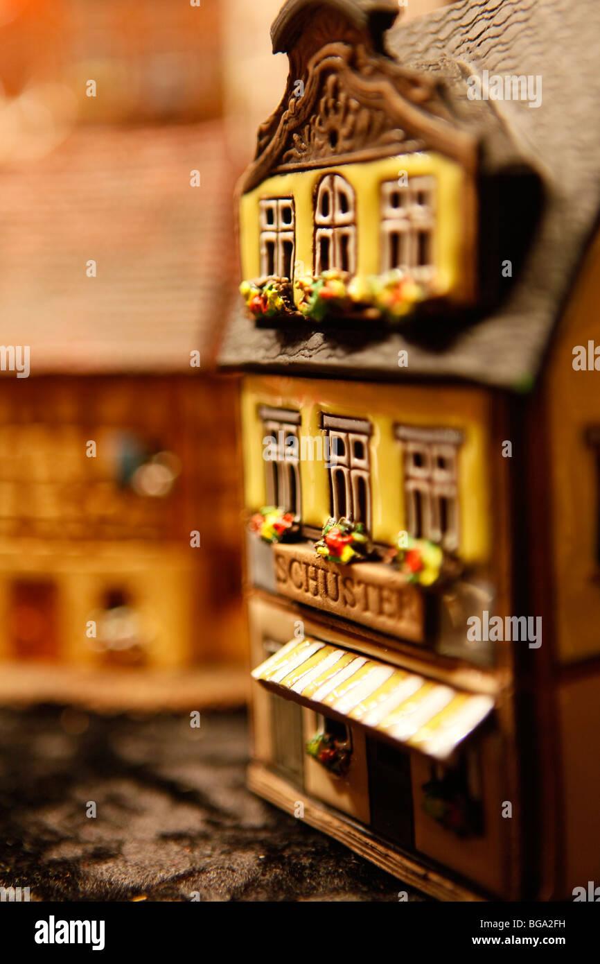 Dem deutschen Markt im Stadtzentrum von Bimingham zu Weihnachten. Traditionelle handgemachtes Spielzeug. Stockbild