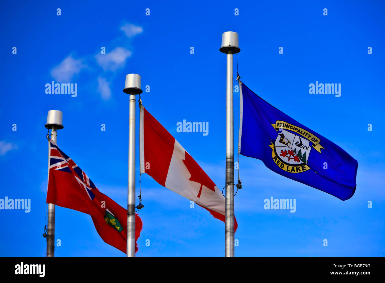 Three Flag Poles Stockfotos & Three Flag Poles Bilder - Alamy