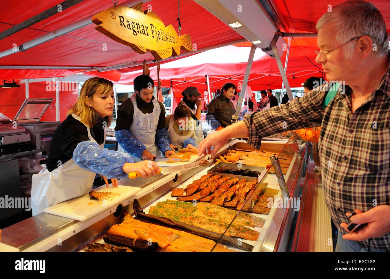 Fischmarkt in Bergen, Norwegen, Skandinavien, Nordeuropa Stockbild