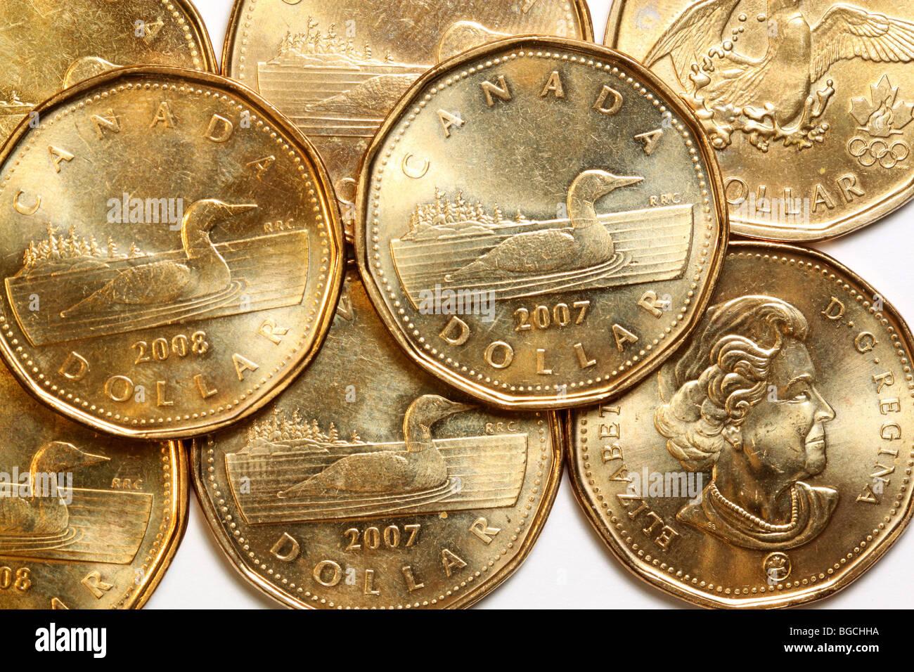 Kanadischer Dollar Münzen Stockfoto Bild 27322102 Alamy