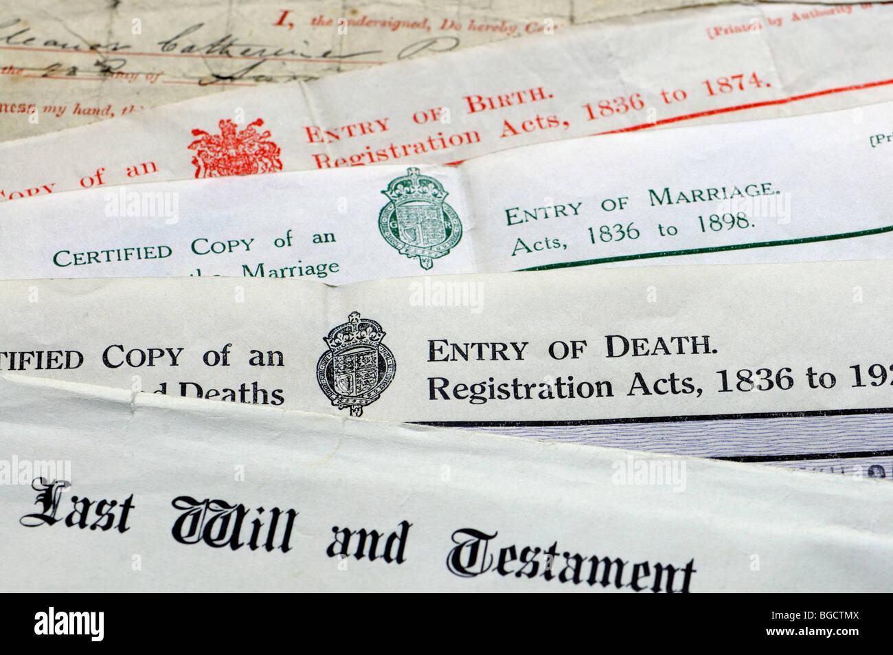 Genealogie-Dokumente - Urkunden von Geburt, Heirat und Tod und letzten Willen und testament Stockbild