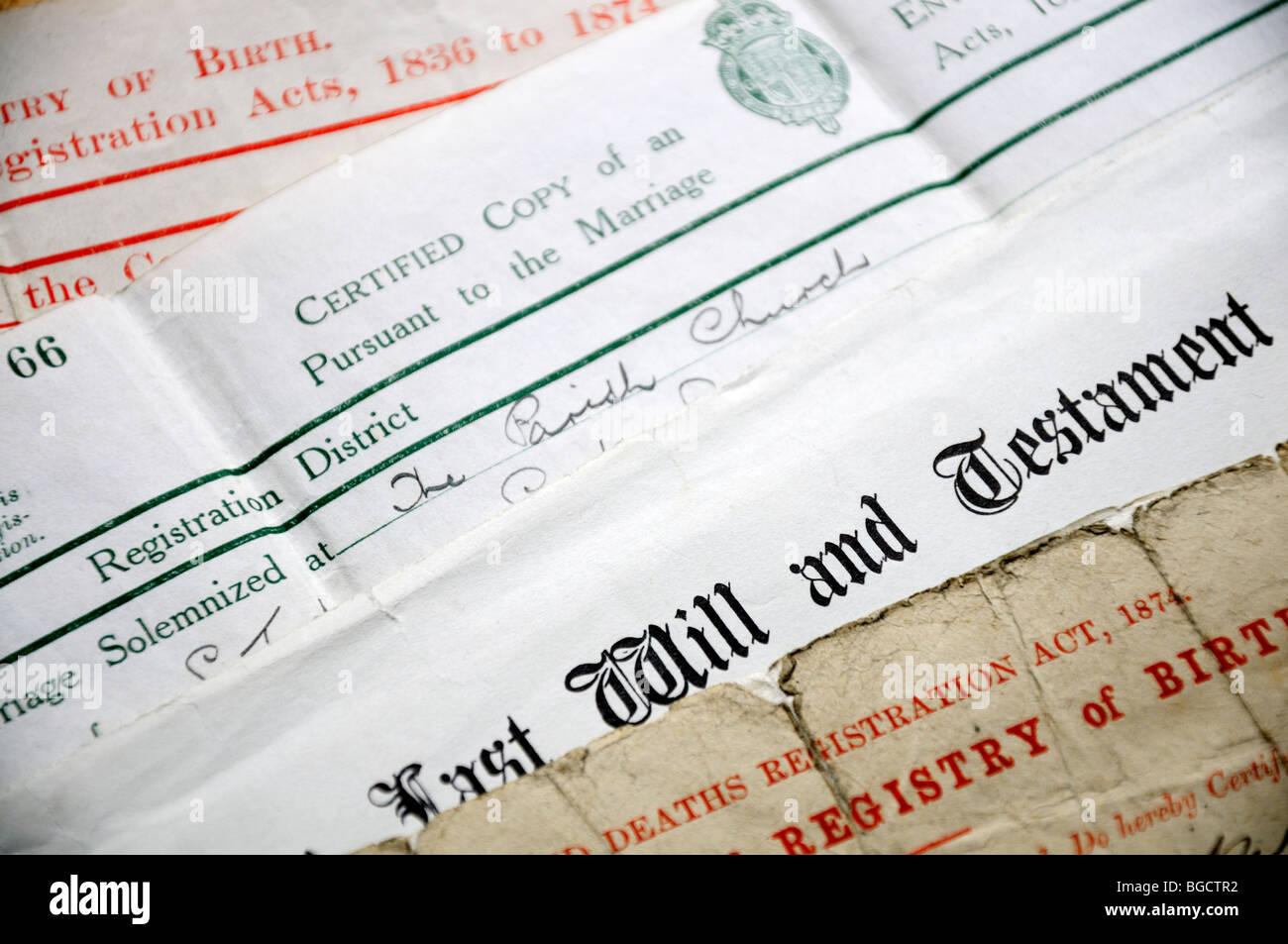 Genealogie-Dokumente - Kopien von Zertifikaten Geburt, Heirat und Tod, und letzten Willen und testament Stockbild
