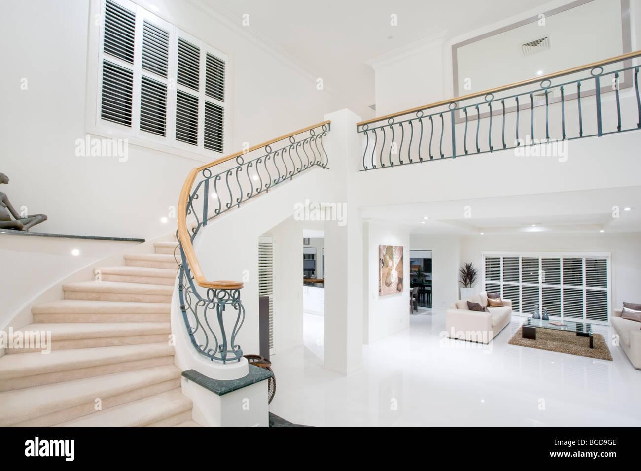 Eingangshalle in moderne Luxusvilla Stockfoto, Bild: 27337758 - Alamy