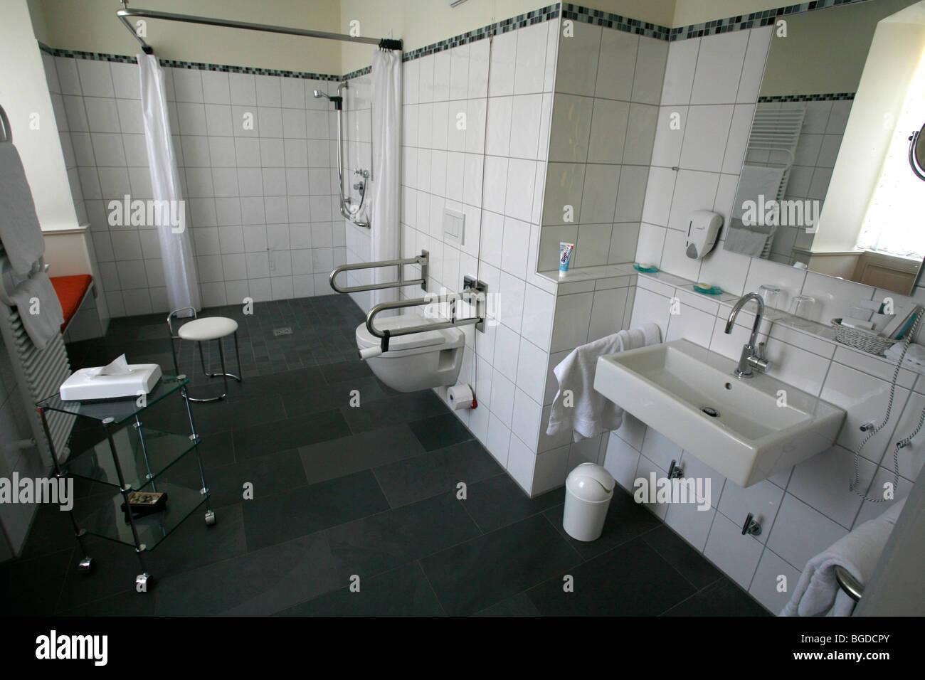 Barrierefreie und behindertengerechte Badezimmer, Hotel Anne-Sophie ...