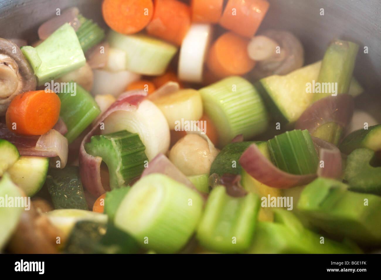 Schmorrgemüse Stockfotos & Schmorrgemüse Bilder - Alamy