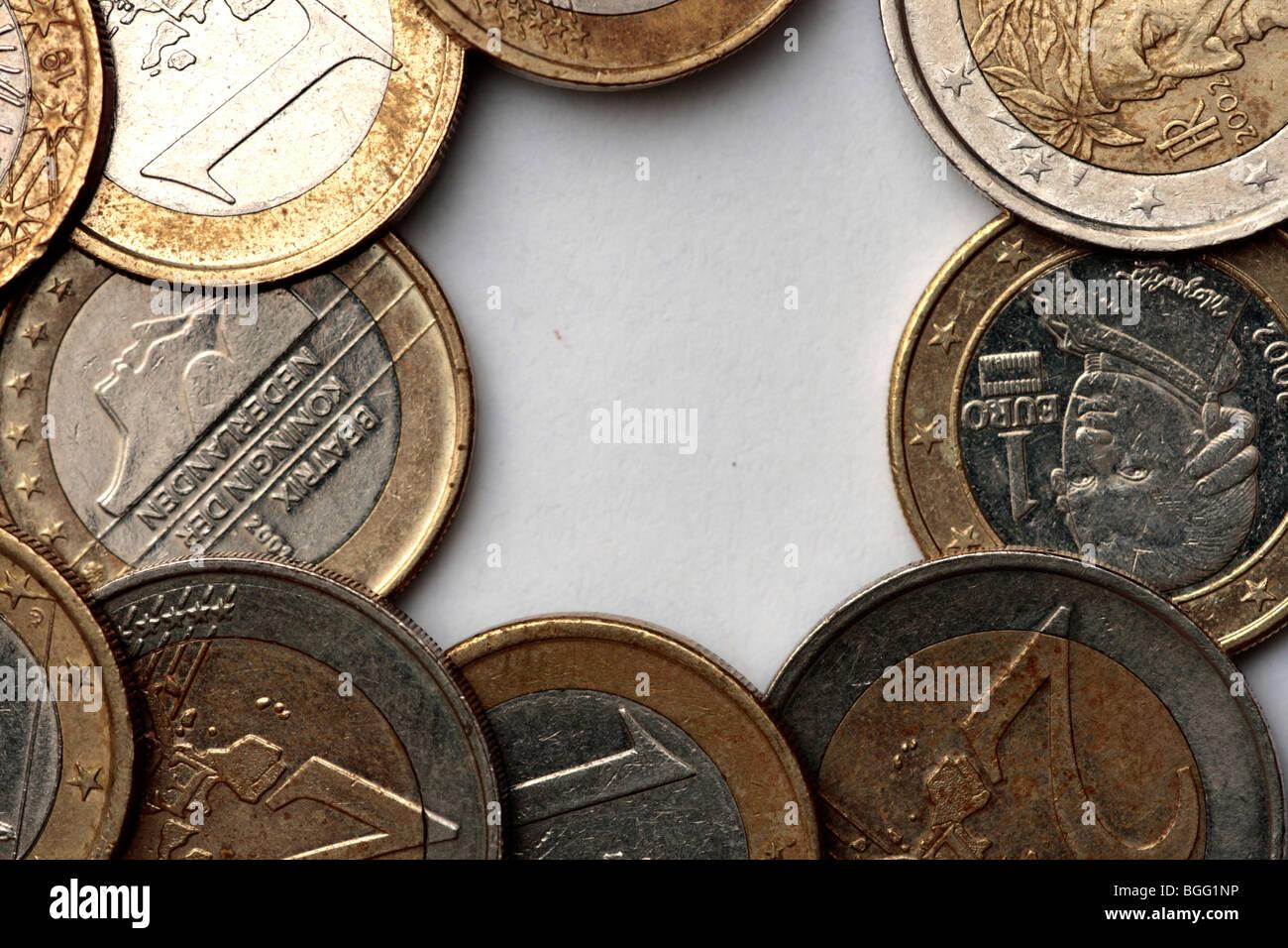 Ein Rahmen der Euro-Münzen Stockbild