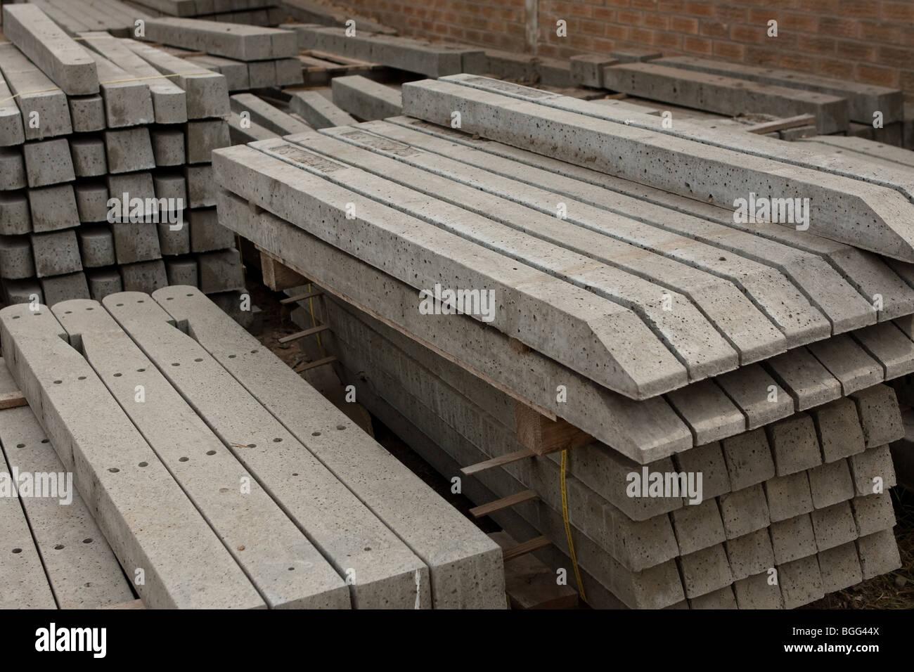 Beton Zaun Pfosten Stockfoto Bild 27399370 Alamy