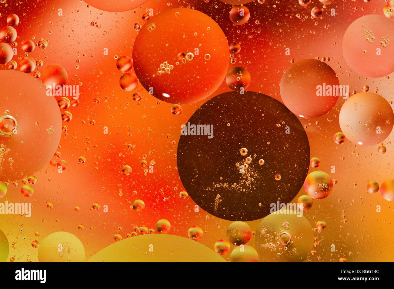 Öl und Wasser Stockbild