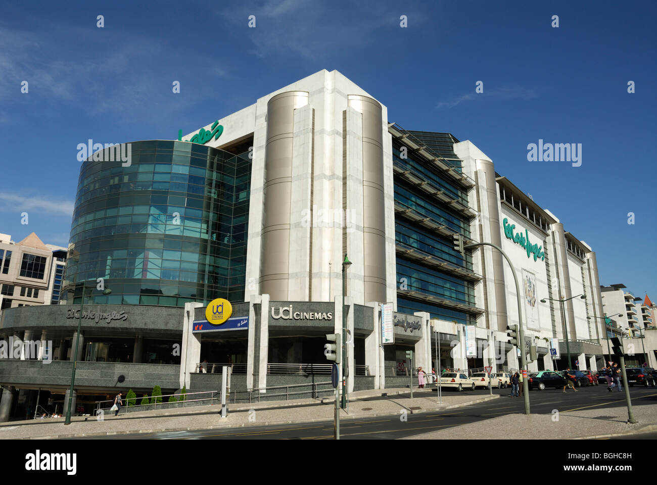 Lissabon. Portugal. El Corte Ingles Einkaufszentrum Av Antonio Augusto de Aguiar. Stockbild