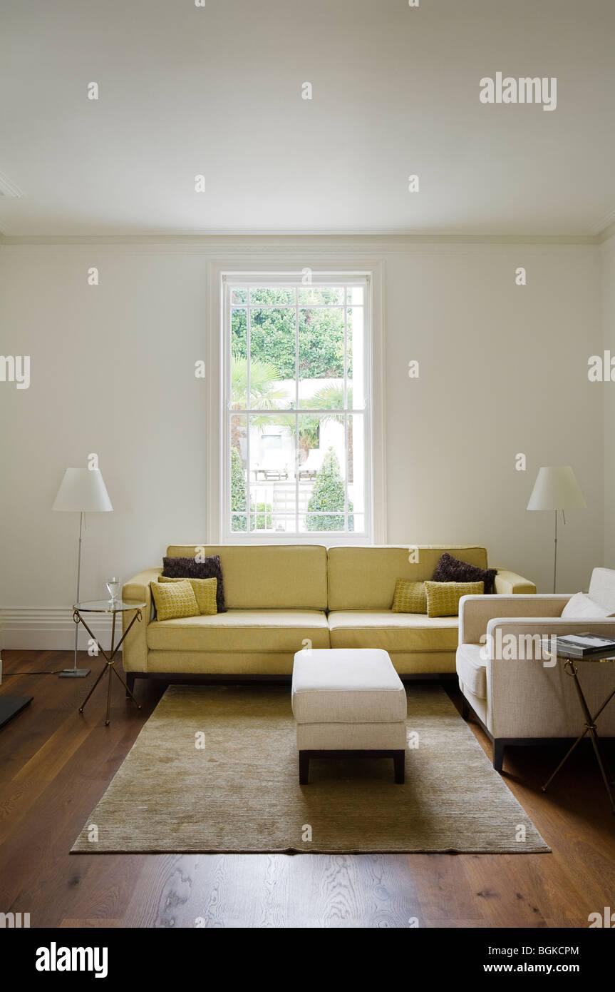 Wohnzimmer, Die Gelbes Sofa, Osmanischen Und Teppich