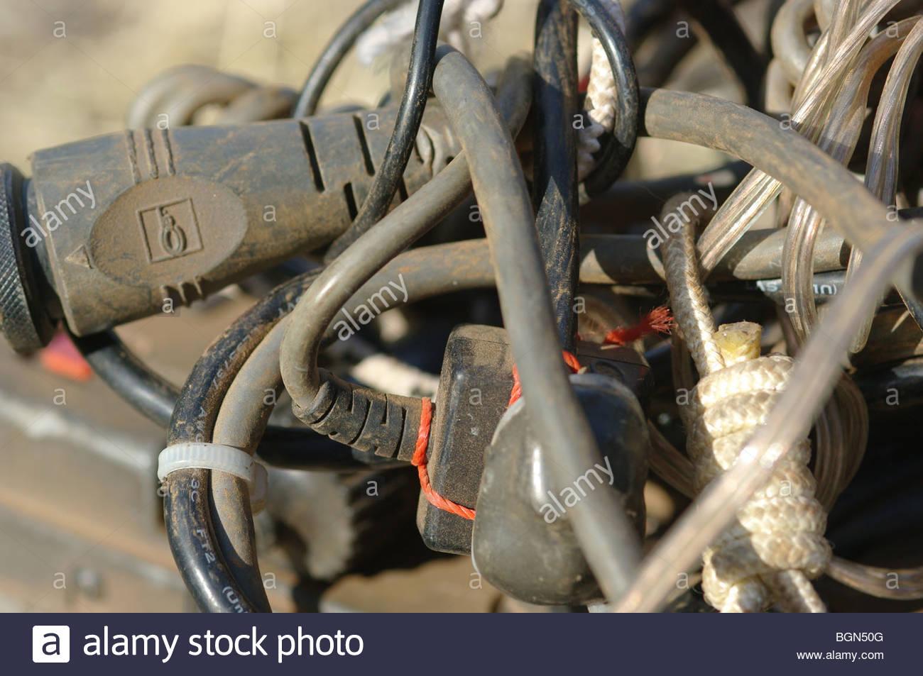 Elektrische Verdrahtung durcheinander Stockfoto, Bild: 27509792 - Alamy