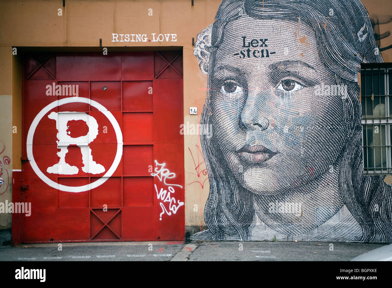 Steigende Liebe zeichnen Graffiti an der Wand Rom, Italien Stockbild