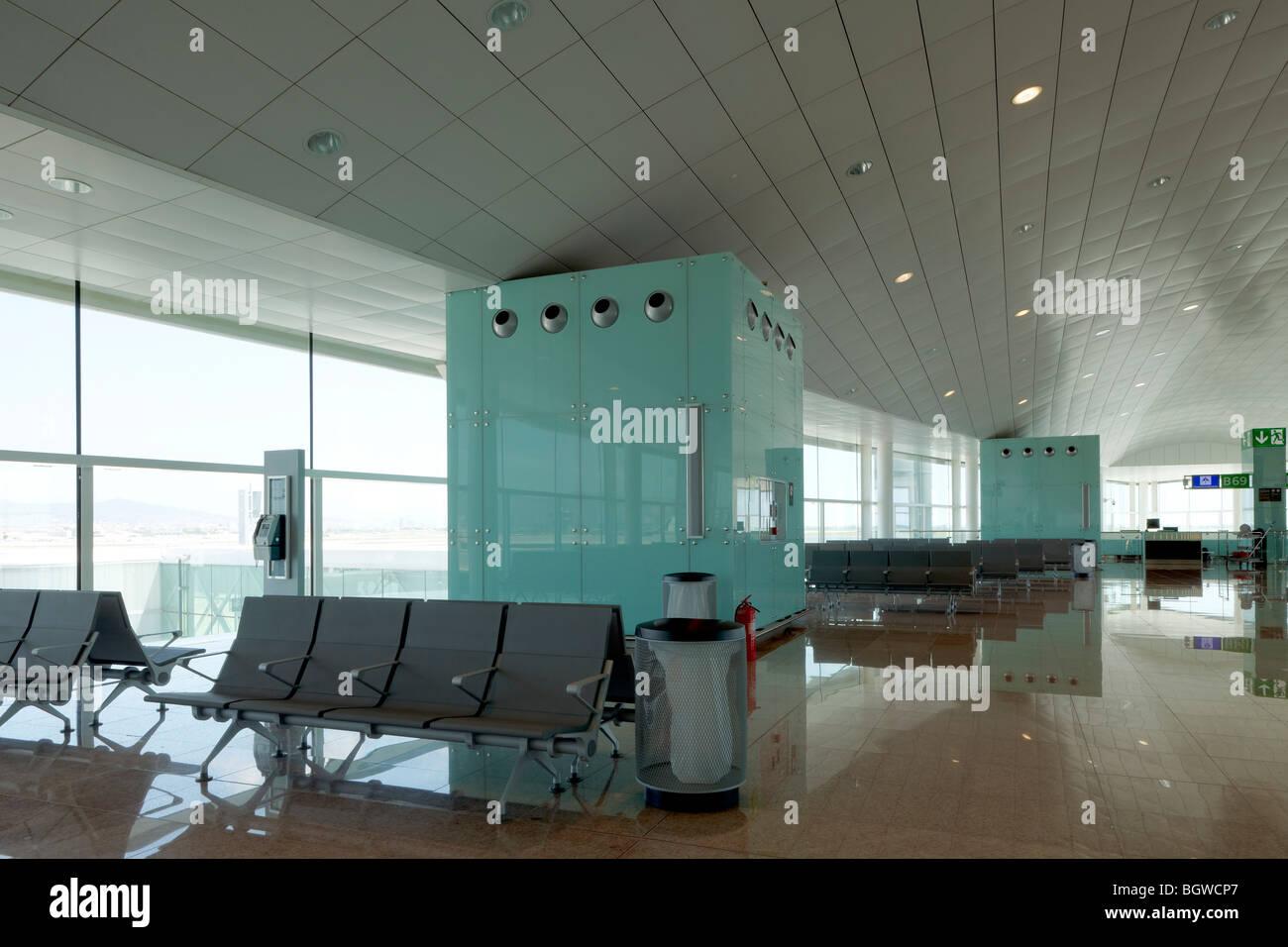 Natürliche Lichtquellen innenansicht ende wichtigsten passagier-terminal gebäude nutzt