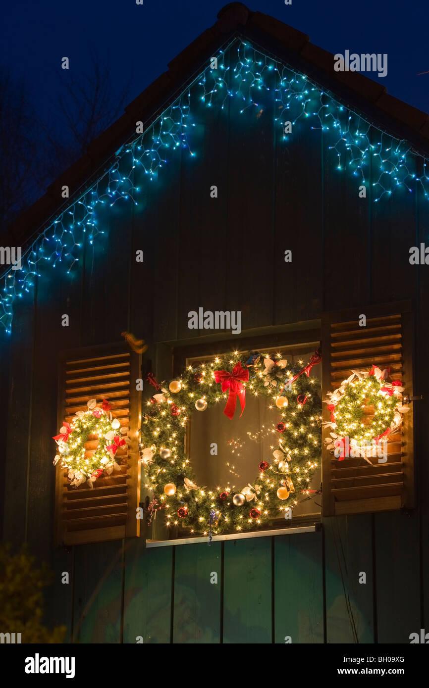 Weihnachtsdeko Lichter.Weihnachtsdeko Kranz Und Lichter In Einem Haus In Freising Bayern