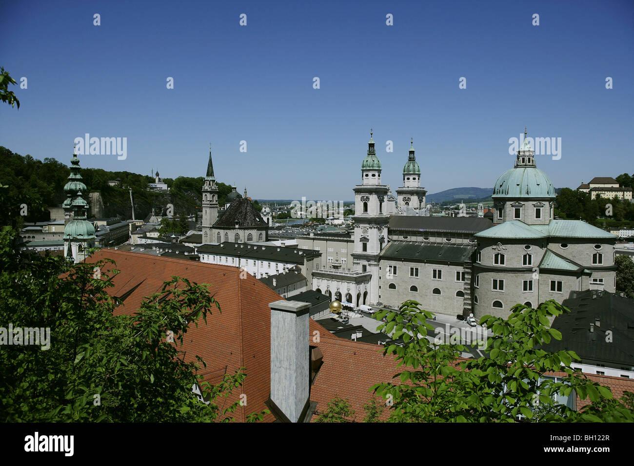Ansicht von Salzburg Dom, Domplatz, Salzburg, Österreich Stockbild