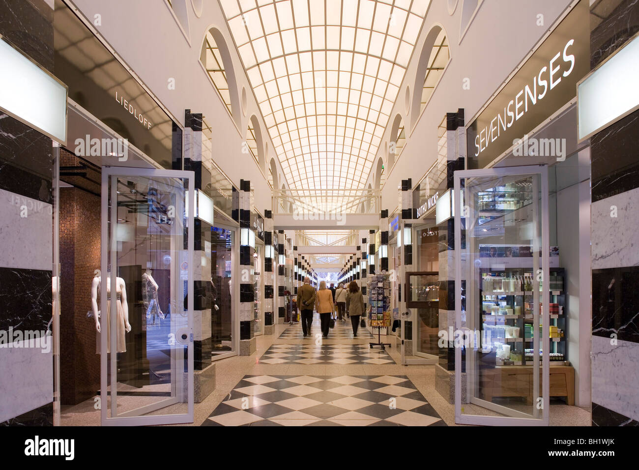 einkaufszentrum galleria grosse bleichen hansestadt hamburg deutschland europa stockfoto. Black Bedroom Furniture Sets. Home Design Ideas