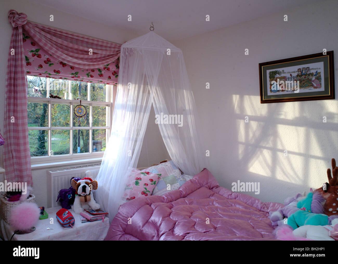 Vorhnge mdchen simple kinder vorhnge rosa prinzessin for Madchen vorhange