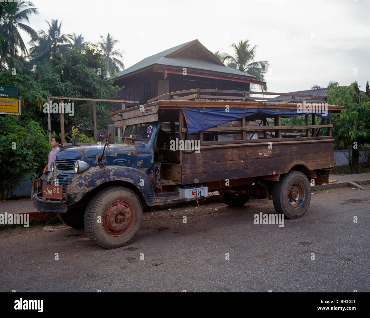 alten Dodge Truck verändern Dodge LKW Myanmar Burma Stockbild