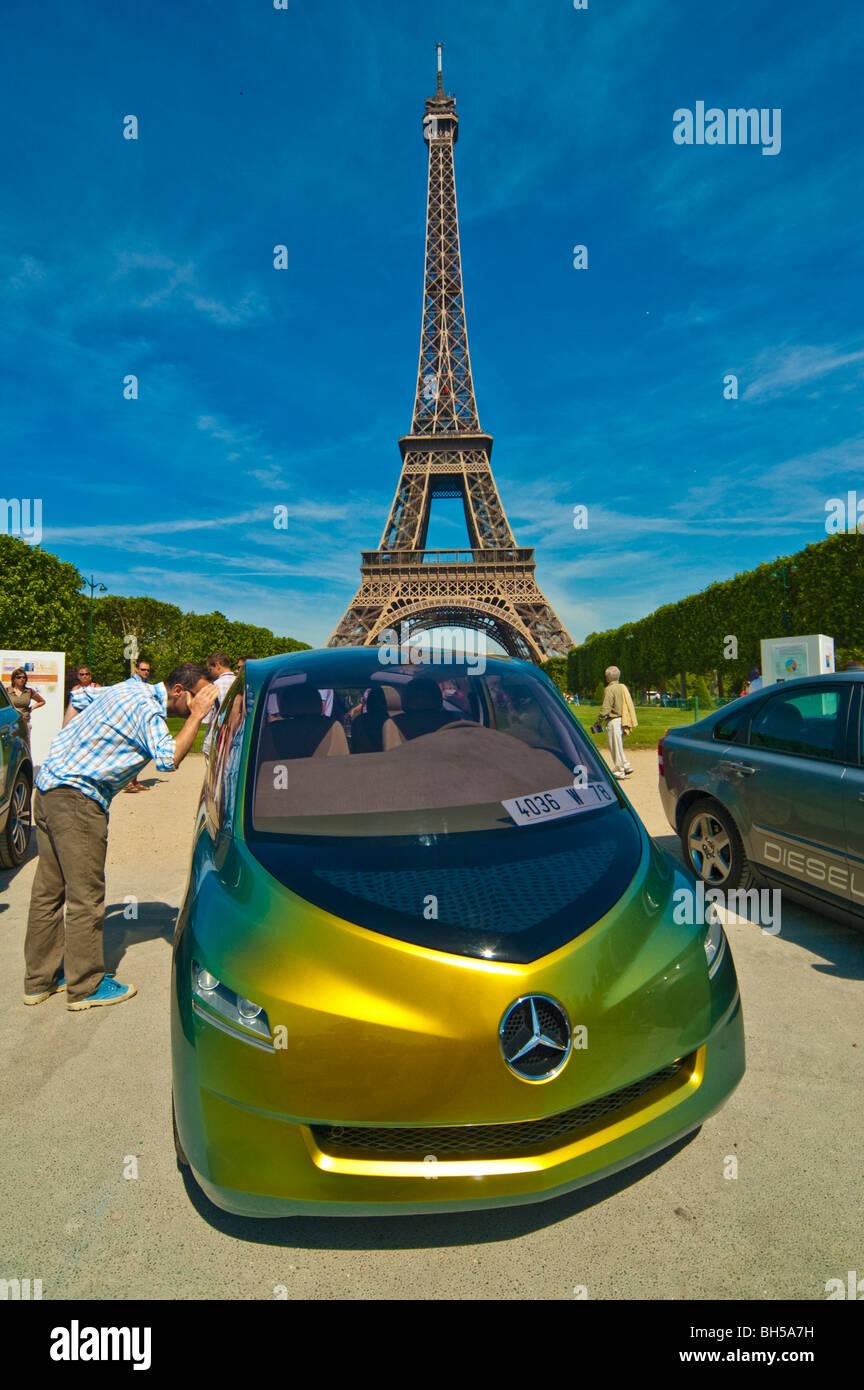 Mercedes Eiffel Tower : Benz tower stockfotos bilder alamy