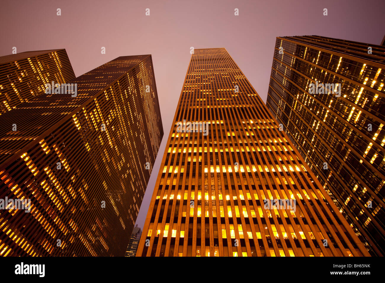 USA, New York City, Manhattan, Hochhäuser entlang der Sixth Avenue Stockbild