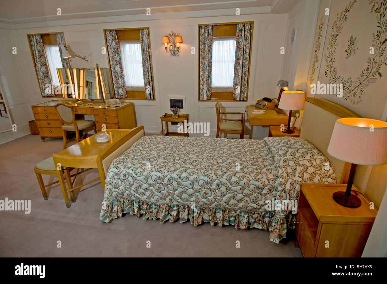 britannia royal queen yacht stockfotos britannia royal queen yacht bilder alamy. Black Bedroom Furniture Sets. Home Design Ideas