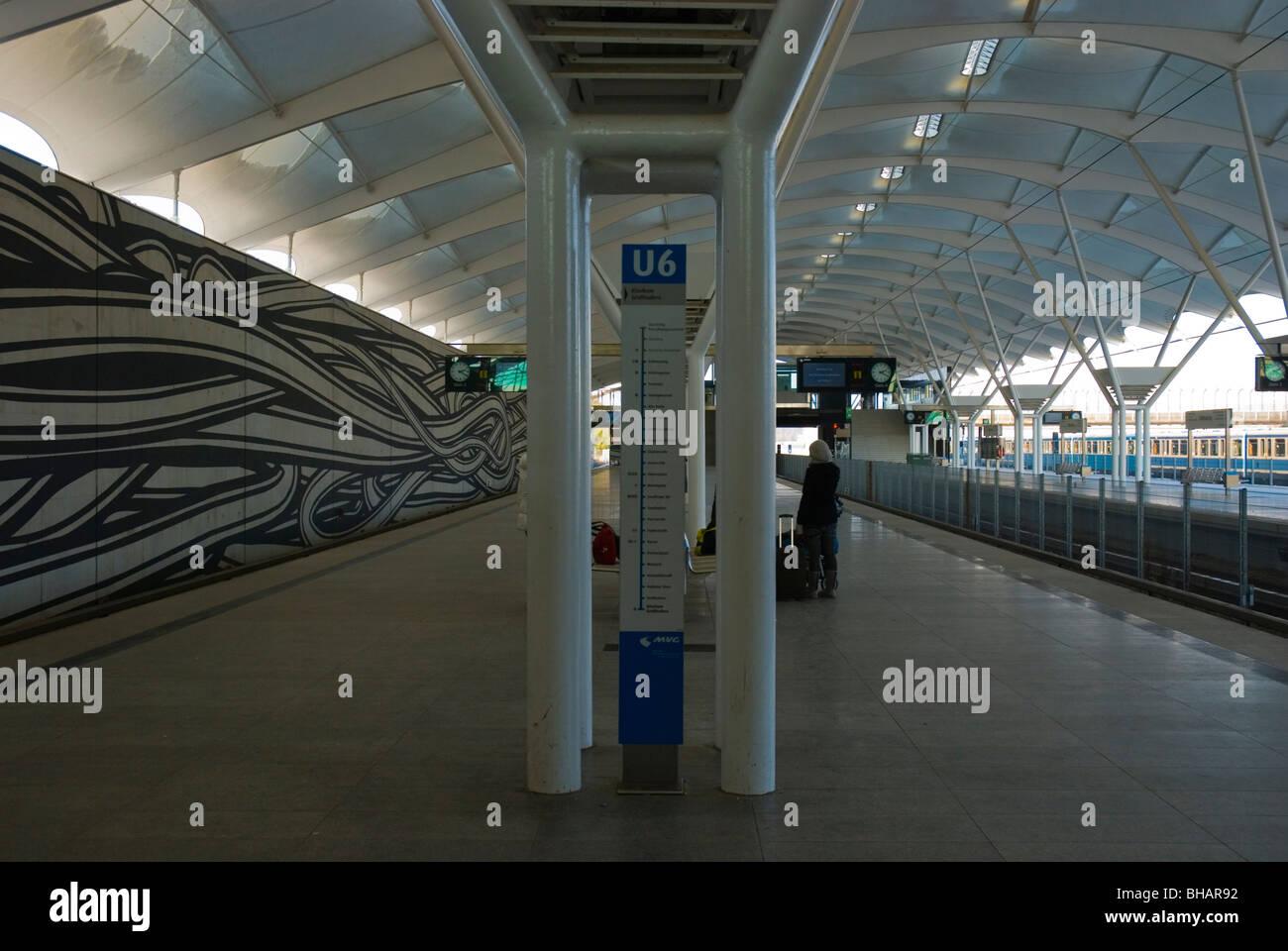 Fröttmaning U-Bahnstation München Bayern Deutschland Europa Stockbild