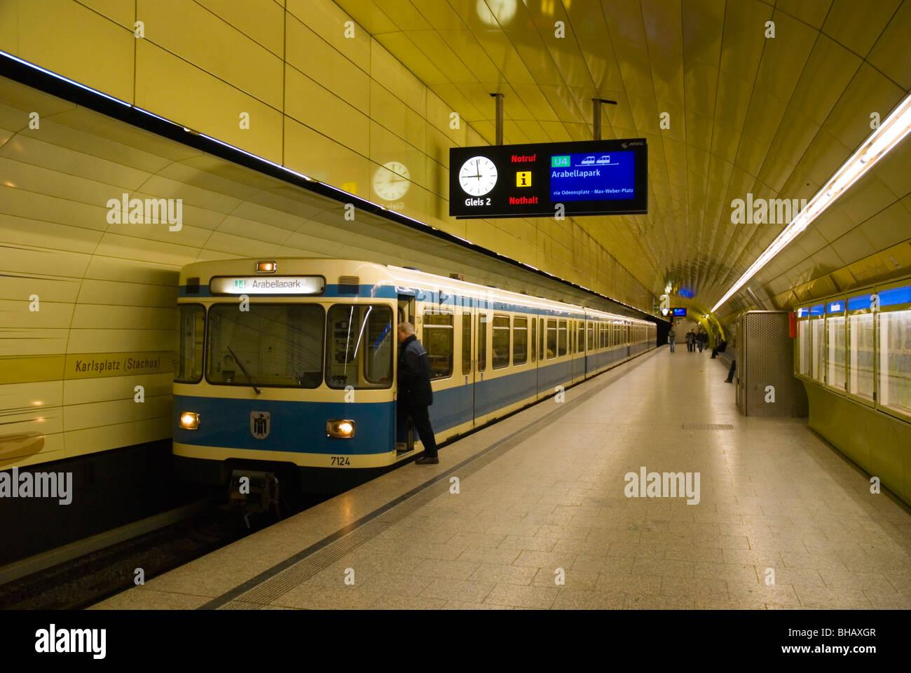Karlsplatz-U-Bahn station zentrale München Bayern Deutschland Europa Stockbild
