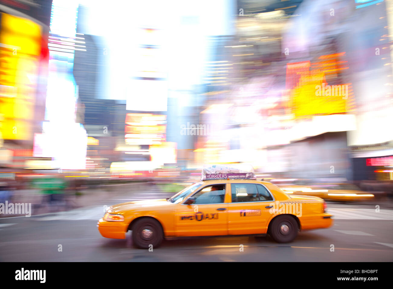 New York Taxis am Times Square Stockbild