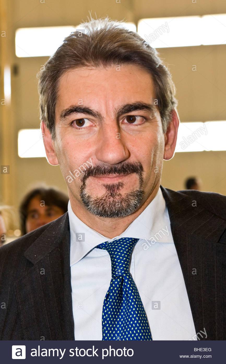 Raffaele Cattaneo, Stadtrat Infrastruktur und Mobilität der Region Lombardei, Flughafen Mailand-Malpensa, Italien Stockbild