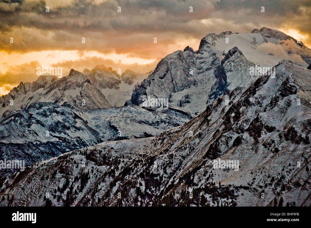 Verschneiten Dolomiten in der Nähe von Giau Pass, Trentino-Alto Adige/Suedtirol, Italien Stockfoto
