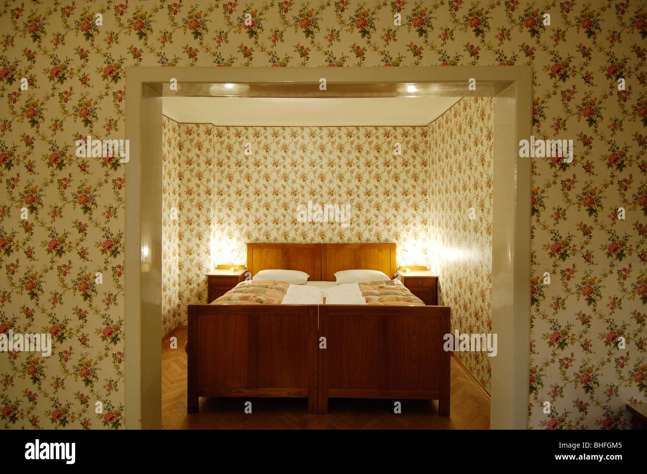Schlafzimmer mit Bett, Jugendstil, Villa Hermes, Seis bin Schlern ...